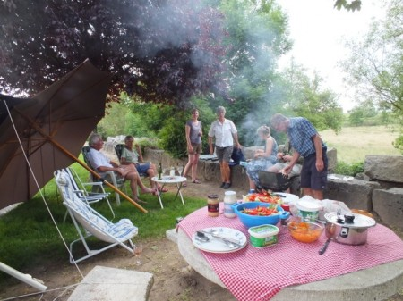 Pot luck BBQ in St-Julien-sur-Dheune