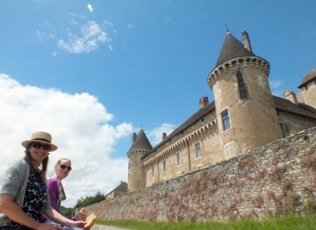 Picnic lunch under Château Rully
