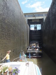 The deep lock to the Saône River