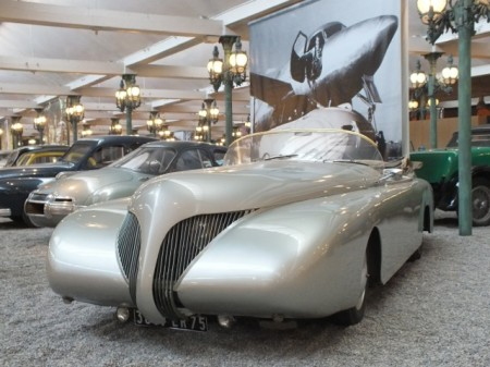 """La Baleine"", a one-off car from 1938 by French industrial designer Paul Arzens"