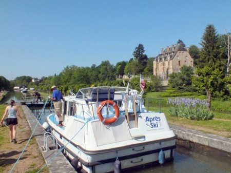 In the lock in Chatillon-en-Bazois
