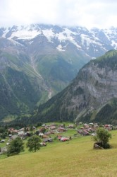 The steep hike down to Gimmelwald