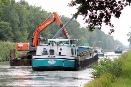 Canal dredging between St Dizier and Vitry