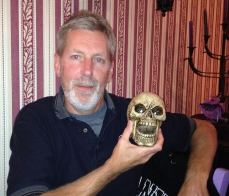 Ted with one of the many skulls at La Cantina del Conquistadors
