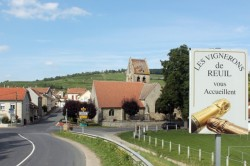 The winemakers of Reuil wish you a warm welcome