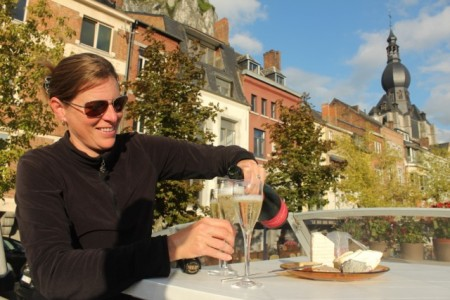Champagne happy hour, Dinant