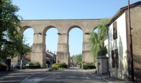 A first-century Roman aqueduct near Metz