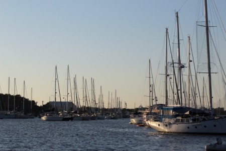 The very crowded Vero Beach mooring field