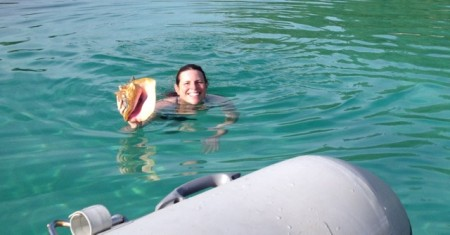 Heather successfully dives for a conch