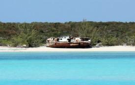 Shipwreck near Little Farmer's Cay