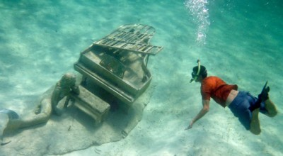 Yes, there really is an underwater piano at Rudder Cut Cay