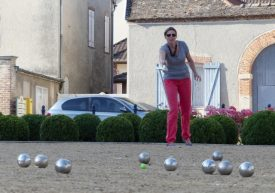 "Heather launches a ""boule"""