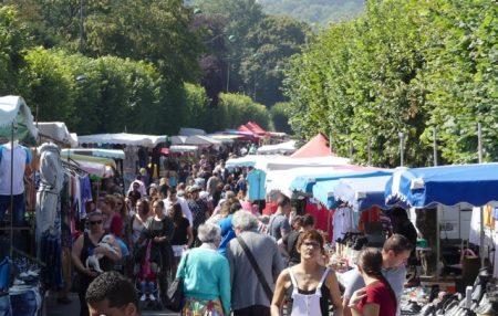 Street market in La Ferté