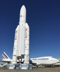 The Ariane 5 rocket and a 747