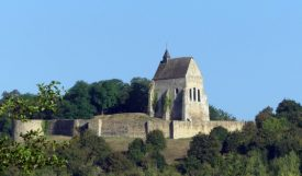 A hilltop chapel along the Yonne
