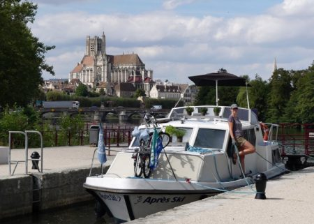 Entering the Nivernais south of Auxerre
