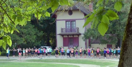 The Auxerre running club warms up