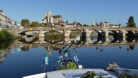 Arriving in Auxerre from the Nivernais Canal