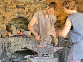 Craftsmen at Guédelon