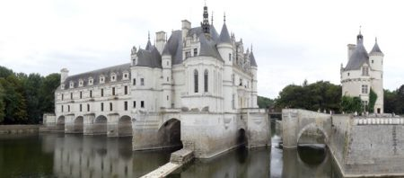The chateau spands the river Cher