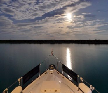 Moonrise over Great Sale Cay, Bahamas